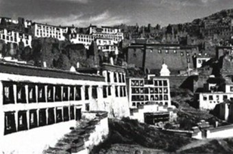 Architecture of the houses in Tibet